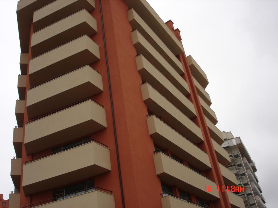 Изображения от: Етапи на строителство-Сгради А и Б -Декември